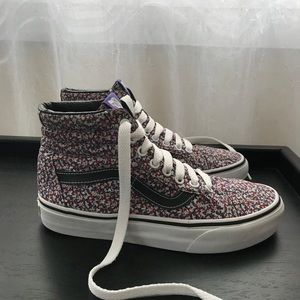 463dfa0727 Vans Shoes - VANS x Liberty Sk8Hi hightop Microfloral Reissue